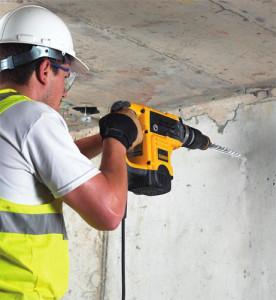 Сверлим отверстие под анкер в бетоне