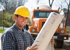 Замес бетонного раствора для будущего фундамента