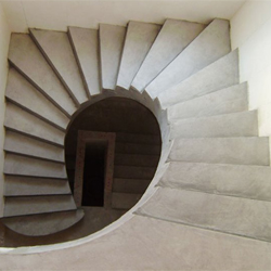 Лестница круглая из монолитного бетона