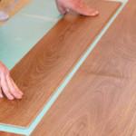 Как укладывать панели ламината на пол из бетона