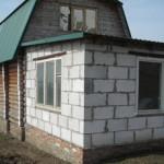 Возведение пристройки из пеноблоков к старому дому