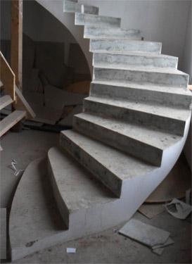 Армирование и бетонирование лестниц