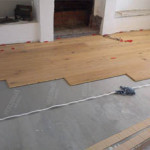 Как самостоятельно постелить ламинат на бетонное основание