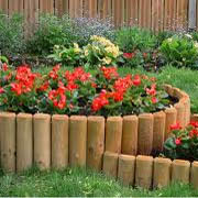 Ограждение для клумбы из древесины
