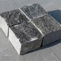 Пилено-колотый камень